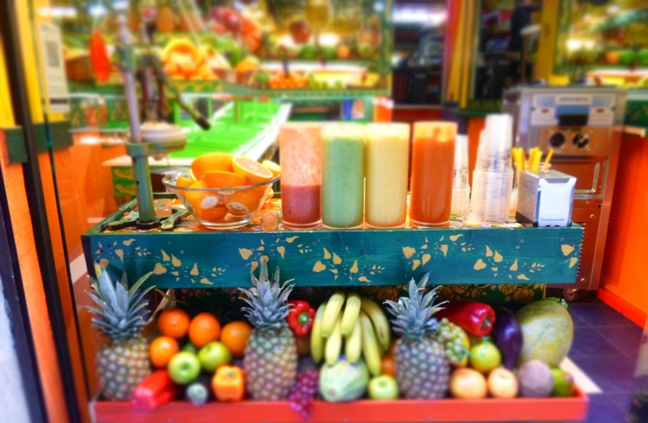 What equipment for a fruit juice bar?